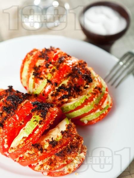 Запечени домати с тиквички и хрупкава коричка - снимка на рецептата